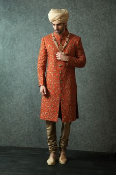 gold pagdi, pearls haar, orange sherwani, buttoned down sherwani, copper churidar Wedding Dresses Men Indian, Wedding Dress Men, Wedding Men, Wedding Suits, Wedding Ideas, Indian Weddings, Farm Wedding, Wedding Couples, Trendy Wedding