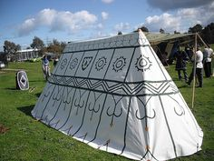 How to make a canvas belled tent. We've recently obtained cheap canvas that's 2.8m wide. So there's a bit of a flurry of tent making activity. On Monday I (with help) cut out my new rectangular tent, so yesterday a friend came ove...