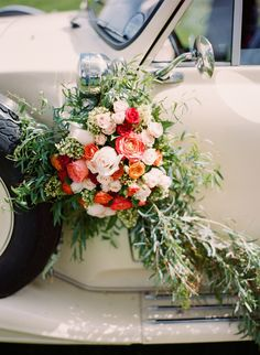 Vintage themed wedding inspiration shoot with a bright orange and red flowers and vintage getaway car from Kirill Bordon Photography. Flower Bouquet Wedding, Floral Wedding, Trendy Wedding, Flower Bouquets, Bridal Bouquets, Boho Wedding, Wedding Blog, Dream Wedding, Wedding Ideas
