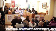 """Martedì 19 novembre, alle ore 17.00, incontro con lo scrittore e paesologo Franco Arminio, presso la Sala Consiliare del Comune di Villaricca. L'appuntamento ha aperto una serie di iniziative denominate """"INCONTRI IN UNA CITTA' CHE VUOLE INVESTIRE IN CULTURA"""". Gli incontri sono promossi e organizzati dall'Associazione Culturale """"QUELfiloBLU"""", la redazione giornalistica AbbìAbbè, l'Istituto di Formazione Professionale """"Andrea Pianese"""" e TeleClubItalia."""