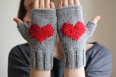 VALENTINES GIFT...Hand warmers. Heart gloves, gray gloves, handmade gloves.  Ready to shipping. #Valentines Day