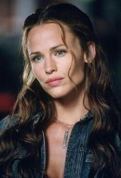 Caladhiel Elarinya (Light of the Morning Star; Cala Rin), youngest daughter of Lord Elrond Half-elven of Rivendell --- actress Jennifer Garner as Elektra in Daredevil Hollywood Actor, Hollywood Celebrities, Jennifer Garner Elektra, Zoe Mclellan, Garner Style, Beautiful Actresses, Pretty Woman, Red Hair, Beautiful Women