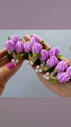 Diy Lace Ribbon Flowers, Paper Flowers Craft, Flower Crafts, Fabric Flowers, Ribbon Embroidery Tutorial, Ribbon Flower Tutorial, Flower Embroidery Designs, Boho Crochet Patterns, Kanzashi Tutorial