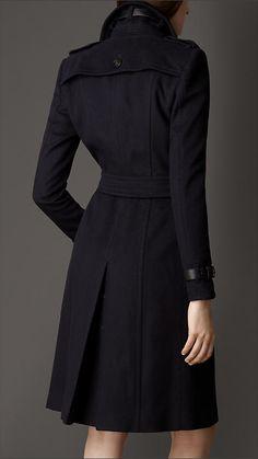 Trench coat em cashmere de lã com acabamento em couro | Burberry