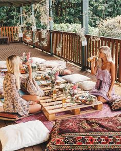 Love this idea of using wooden crates and cushions to create a relaxed boho inspired seating area.