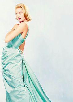 Grace Kelly in 1955 wearing a dress designed by Edith Head