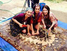 3 güzel görüyorum! #ÖzgeGürel #NihalIşıksaçan #FatmaToptaş #öykü #burcu #sibel #KirazMevsimi Sevgilerle: zgegrel (Özge Gürel)(pinleyenler için yazıyorum)
