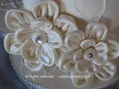 Gumpaste Fabric Flowers by Cupid Cupcakery by Cupid Cupcakery, via Flickr