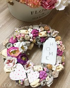 Xmas Wreaths, Ornament Wreath, Dyi, Decoupage, Diy And Crafts, Projects To Try, Artsy, Easter, Spring