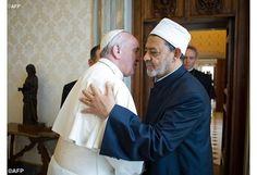 Ahmed Al Tayed, máxima autoridad del islam sunita en el mundo   principal líder de los musulmanes afirma que el Papa «es un hombre de paz que respeta las demás religiones»