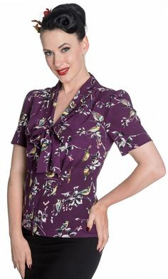 Hell Bunny Birdy Pin Up Landgirl Retro Vintage Style Blouse Top - Rockabilly Clothing Store Vintage Style Dresses, Blouse Vintage, Retro Outfits, Vintage Outfits, Vintage Clothing, 1940s Fashion, Vintage Fashion, 40s Dress, Dress Prom