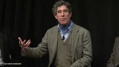 Neuroscientist Richard Davidson and clinical mindfulness expert Jon Kabat-Zinn on how mindfulness training can lead to greater resilience to stress. An excer...