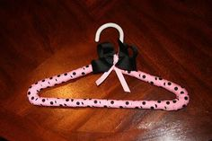 This is a really easy project to fancy up some hangers for a gift or a special outfit! It's a nice touch to add to a piece of clothing you m. Cheer Gifts, Diy Ribbon, Easy Projects, Diy Tutorial, Diy Hangers, Sewing Crafts, Fancy, Crafty, Cover