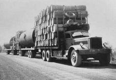 Diamond T Big Rig Trucks, Old Trucks, Semi Trucks, Old Photos, Vintage Photos, Big Tractors, Custom Big Rigs, Road Train, American Legend