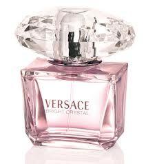 VERSACE CRYSTAL (GIRL) El frasco de color rosa anuncia una fragancia más suave y más luminosa. Hoy en día cuenta con sabor a fruta popular da la composición matiz ligeramente golosa. Las notas iniciales son granada, Yuzu y la concordia helado.   Tamaño 90 M/L.  (3.0 ONZ). Valor $140.000 Pedidos Whatsapp (57) 3163351875 Pin 22D85155 store-t@hotmail.com