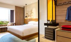 View deals for Hotel Jen Tanglin Singapore by Shangri-La. Tanglin Mall is minutes away. WiFi and parking are free, and this hotel also features 2 restaurants. Design Hotel, House Design, Table Bar, Hotel Interiors, Hotel Suites, Embassy Suites, Design Moderne, Contemporary Design, Lounge