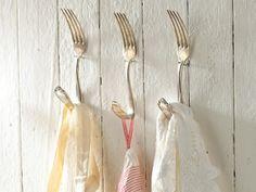 kitchen decor - küchendeko - decoratie - haken - vork
