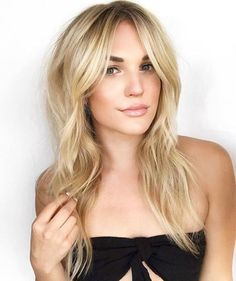 Layered Centre-Parted Long Hairstyle Long Layered Haircuts, Haircuts For Fine Hair, Haircut For Thick Hair, Cool Haircuts, Long Hairstyles, Thin Hair Bangs, Homecoming Hairstyles, Wedding Hairstyles, Hairdos