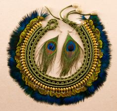 This is an awesome peacock necklace. Gotta love the giant bib necklaces