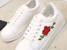 Different Types Of Sneakers – Sneaker Deals Vans Shoes, Adidas Shoes, Shoes Sneakers, Cute Shoes, Me Too Shoes, Sneakers Fashion, Fashion Shoes, Moda Sneakers, Fresh Shoes