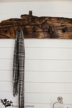 For my pine planks!!! Railroad Spike Hook Rack by The Wood Grain Cottage @ http://www.thewoodgraincottage.com/2013/10/11/railroad-spike-wall-hook-rack/