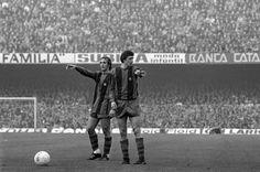 Junto al también holandés Johan Neeskens en un partido con el Barcelona. En el equipo azulgrana conquistó una Liga en 1974.