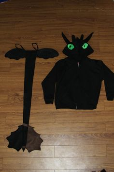 SIZE LARGE How to Train your Dragon   Toothless by ThinkYouCan, $60.00