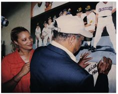 Did I say that's Willie Mays signing JackieO.'s painting of him! Willie Mays, Captain Hat, Painting, Painting Art, Paintings, Painted Canvas, Drawings