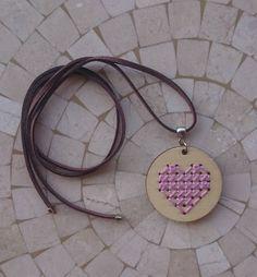 Colar Ponto Cruz Coração Lilás - 15491581 | enjoei :p