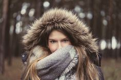 www.fotos.popp-media.de  nature portrait woman girl young adult photography moody portraitphotography forest beauty photographer outdoor folk winter cold warm clothing