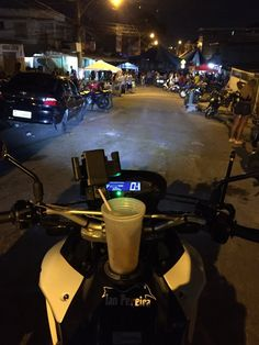 A Favela Curti Assim! Bmw Motorbikes, Background Images Hd, Bad Influence, Ios Wallpapers, Bike Rider, Ride Or Die, Car Tuning, Guns And Ammo, Stunts