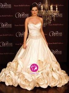 A-ligne Col en cœur Traîne moyenne Robe de mariée en Taffetas avec Fleurs manuelles Ruché(FR0255217)