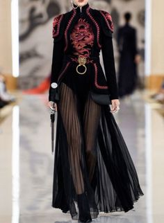 kiara misses ryujin everyday everynight 🌪️ on, ados coréenne femme haute couture tendance chic Couture Fashion, Runway Fashion, Womens Fashion, Stage Outfits, Mode Outfits, Edgy Outfits, Look Fashion, High Fashion, Fashion Design