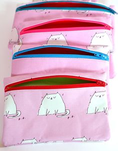 Limited Edition Valentine's Pouch from The Dancing Cat - currently there's a giveaway for one on #ihavecat http://ihavecat.com/2014/02/01/v-day-giveaway-2-the-dancing-cat-valentine-cat-zipper-pouch/