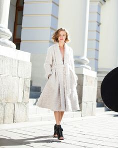 Luxury wool coat made su misura. Fashion and stylish coat