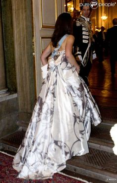 Crown Princess Victoria, back of this beautiful dress
