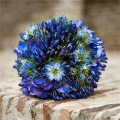 Bouquet e ideas para decoración en dazzling blue