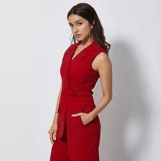 sexy hot bollywood actress shraddha kapoor in ethnic sari and jewelry Shraddha Kapoor Cute, Sonam Kapoor, Deepika Padukone, Ranbir Kapoor, Bollywood Celebrities, Bollywood Actress, Bollywood Fashion, Peplum Dress, Wrap Dress