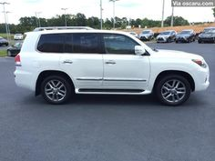FOR SALE: Neatly Used 2014 Lexus LX 570