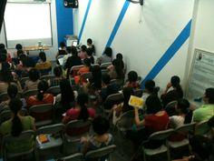 Lớp học tiền sản Kids Plaza khóa 103_5. Học viên đã đến đầy đủ chỉ việc chờ cô giáo dạy nữa thôi.