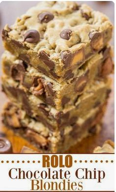 APPLE COFFEE CAKE Almost every Sunday morning growing up my father would make a huge apple coffee cake for us after church. We would hungrily watch him pour the batter into the pyrex baking dish insert apple slices and sprinkle with streusel topping. Rolo Chocolate, Chocolate Chip Blondies, Easy Desserts, Delicious Desserts, Dessert Recipes, Yummy Food, Czech Recipes, Uk Recipes, Easy Recipes