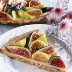 Thin Crust Pizza with Fresh California Figs | California Figs