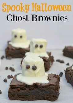Don't you just love a good themed dessert? One of the reasons I love holidays so much is because I can literally theme out everything, especially food! As Moms we are always looks for cute but easy holiday desserts and let me tell you, this one is awesome! These Spooky Halloween Ghost Brownies are perfect …