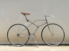 A Bicycle Born in the Sky Bike Machine, Bike Details, Push Bikes, Garage Makeover, Retro Waves, Yanko Design, Bicycle Components, Electric Bicycle, Top Cars