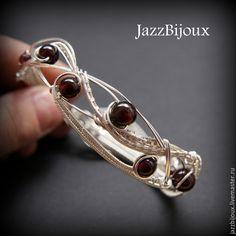 Купить Браслет и серьги с гранатами - браслет, плетеный браслет, подарок девушке, крупный браслет