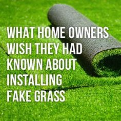 What Homeowners Wish They Had Known About Installing Fake Grass The benefits of artificial grass are Turf Installation, Artificial Grass Installation, Artificial Grass Garden, Artificial Turf, No Grass Backyard, Small Backyard Landscaping, Cozy Backyard, Backyard Designs, Backyard Playground
