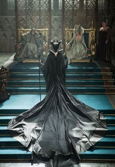 "Angelina Jolie - ""Maleficent"" - Costume designer : Anna B. Maleficent 2014, Maleficent Costume, Maleficent Movie, Angelina Jolie Maleficent, Maleficent Quotes, Disney Love, Disney Magic, Disney And Dreamworks, Disney Pixar"
