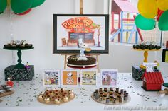 Does your child love pizza and Charlie Brown? Don't miss this Kara's Party Ideas fun and unique Peanuts-themed birthday party. Snoopy Party, Love Pizza, Child Love, Birthday Party Themes, Party Favors, Gallery Wall, Invitations, Fun, Decorating Ideas