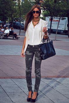 kamuflash bu sezon oldukça moda, bu pantolunu ve kombini beğendik
