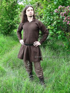 Tunic of Kragelund, Early Medieval Scandinavian tunic, Viking tunic. Medieval Tunic, Viking Tunic, Viking Garb, Viking Dress, Lund, Viking Men, Viking Costume, How To Iron Clothes, Diy Clothes